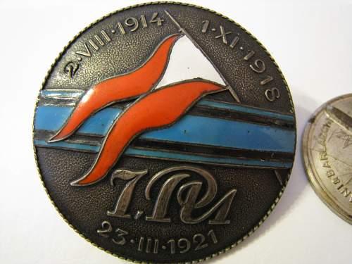 Click image for larger version.  Name:badges 444.jpg Views:235 Size:144.1 KB ID:55939