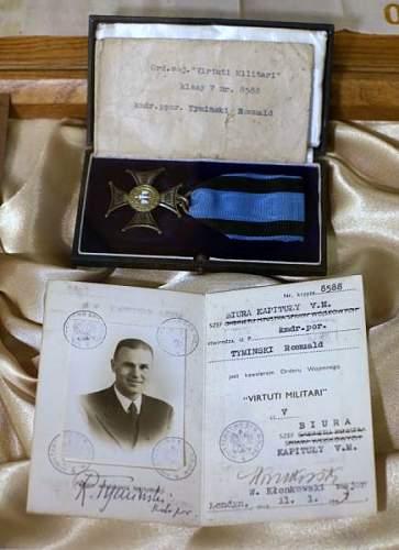 Click image for larger version.  Name:VM rev Nr 8588 awarded to Lt Commander Romuald Tyminski.jpg Views:131 Size:63.5 KB ID:572462