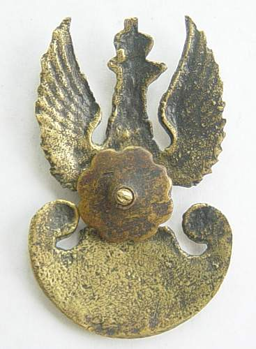 Click image for larger version.  Name:Polish field made cap badge reverse.jpg Views:844 Size:124.7 KB ID:59536