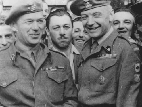 Click image for larger version.  Name:Plk dypl Kazimierz Wisniowski MCC 10 with General Klemens Rudnicki MCC 14811.jpg Views:342 Size:70.2 KB ID:656924