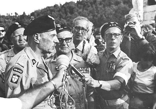 Click image for larger version.  Name:Monte Cassino 1969 General Anders with Mjr Antoni Soboniewski MCC 28775.jpg Views:516 Size:60.0 KB ID:676344
