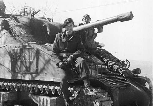 Click image for larger version.  Name:Por Mieczyslaw Bialkiewicz MCC 28992 on his M4 Sherman Named Piesc II.jpg Views:2338 Size:137.3 KB ID:683975