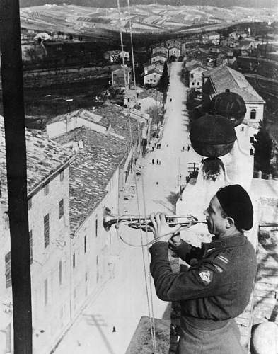Click image for larger version.  Name:July 1944 Trumpeteer P6Panc plays the Hejnal above Montefano.jpg Views:66 Size:167.9 KB ID:686663