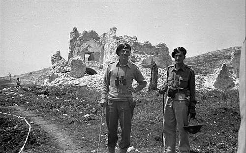 Click image for larger version.  Name:Mass Albaneta 1944 Italy General Anders with his Adjutant Por Jan Romanowski MCC 80.jpg Views:1244 Size:64.9 KB ID:690965