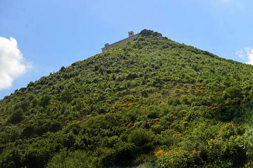Click image for larger version.  Name:The Abbey a long climb up.jpg Views:49 Size:94.0 KB ID:692575