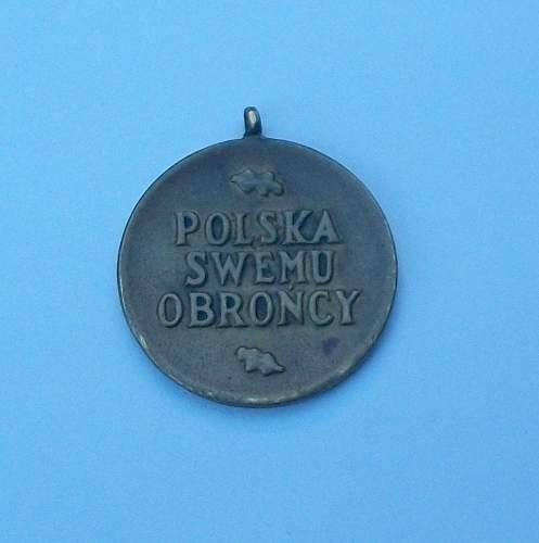 Click image for larger version.  Name:antigua-medalla-polaca-15378-MLA20101490467_052014-F.jpg Views:29 Size:129.4 KB ID:695510