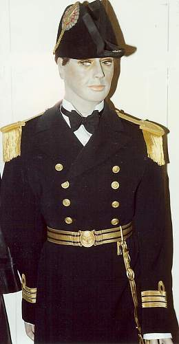 Click image for larger version.  Name:Naval Officers Uniform.jpg Views:302 Size:65.5 KB ID:701167