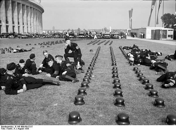 Click image for larger version.  Name:Bundesarchiv_B_145_Bild-P017217%252C_Berlin%252C_Olympiade%20SS.jpg Views:463 Size:85.3 KB ID:73993