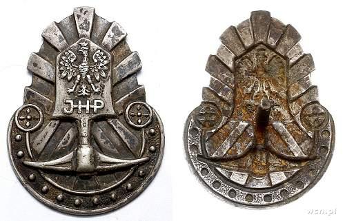 Help identitfying uniform badges