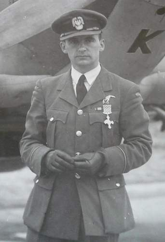 Click image for larger version.  Name:Tadeusz Nowierski DFC.jpg Views:50 Size:42.3 KB ID:816507