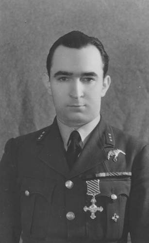 Click image for larger version.  Name:Waclaw Krol DFC.jpg Views:176 Size:28.4 KB ID:818241
