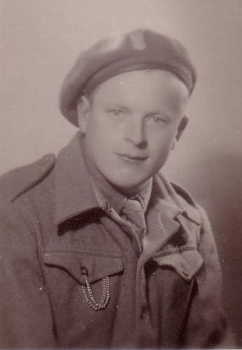 Click image for larger version.  Name:W Zawadzki 28 XI 1945 portrait.jpg Views:57 Size:38.8 KB ID:828892