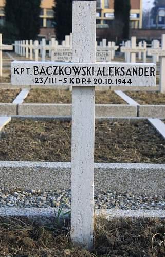 Click image for larger version.  Name:Kpt Aleksander Baczkowski 5KDP MCC 14752.jpg Views:25 Size:201.7 KB ID:837924
