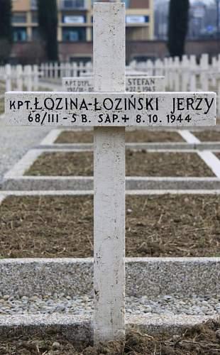 Click image for larger version.  Name:Kpt Jerzy Lozina Lozinski 5BSap MCC 25178.jpg Views:56 Size:171.3 KB ID:837928