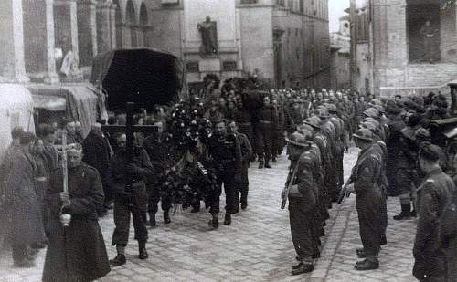 Click image for larger version.  Name:30th January 1946 Loreto Funeral of Sierz Wladyslaw Grydziuszko.jpg Views:50 Size:141.2 KB ID:838023
