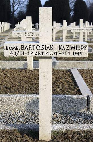 Click image for larger version.  Name:Bomb Kazimierz Bartosiak MCC 2542.jpg Views:26 Size:105.8 KB ID:838312
