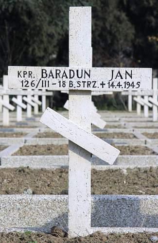 Click image for larger version.  Name:Kapral Jan Baradun MCC 19351.jpg Views:20 Size:179.5 KB ID:838315