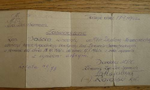 What is this Document that comes with a pretty complete set of documents and medals MC no 33642