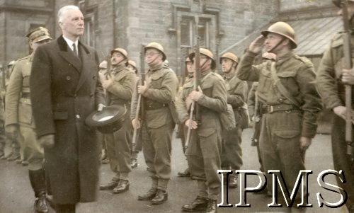 Name:  President Raczkiewicz visiting Dunfermline 8th November 1940.jpg Views: 419 Size:  82.1 KB