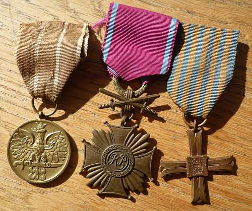 Click image for larger version.  Name:3 medal group.jpg Views:90 Size:237.0 KB ID:884771