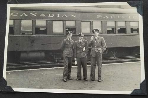 WW2 Polish Pilot Observers set: Pilot's photo album (Canada, Paris, U.K et cetera) and WW2 Pilot Observers wing badge