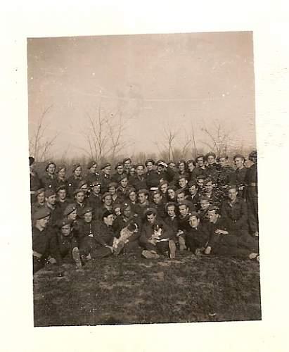 Click image for larger version.  Name:I Pluton Szkoly Podoficerskiej Saperow Capua Luty 1945 Wlochy.jpg Views:85 Size:89.0 KB ID:91357