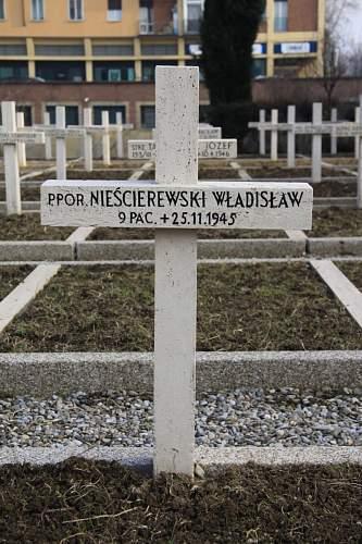 Click image for larger version.  Name:Ppor Wladyslaw Nieścierewski grave Bologna.jpg Views:24 Size:128.9 KB ID:914499