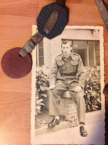 My Grandad was a Polish Para. Can anyone help find out more?