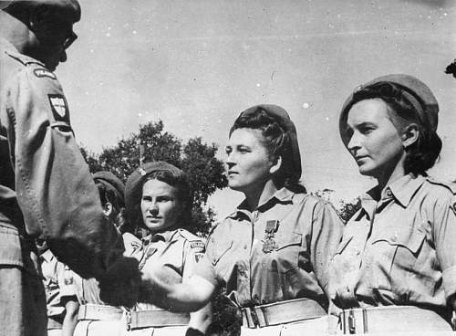 Click image for larger version.  Name:25th September 1944 Przod  Stanislawa Biernacka after receiving the BKZzM from Gen Bohusz Szyszk.jpg Views:182 Size:81.5 KB ID:937016