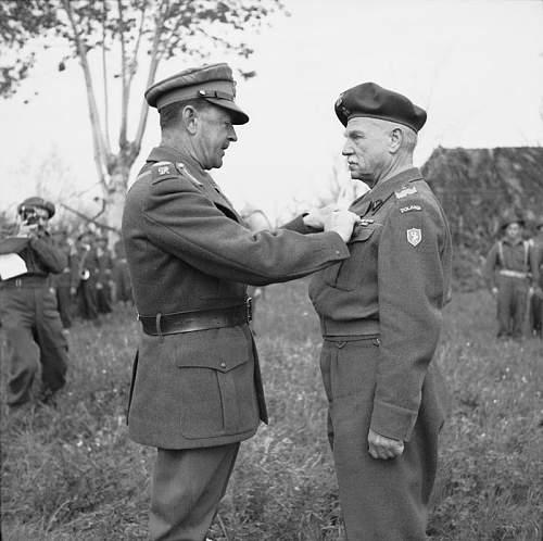 Click image for larger version.  Name:7th April 1945 Forli FM Alexander awarding the DSO to General Bryg Boleslaw Szarecki.jpg Views:205 Size:90.9 KB ID:937025