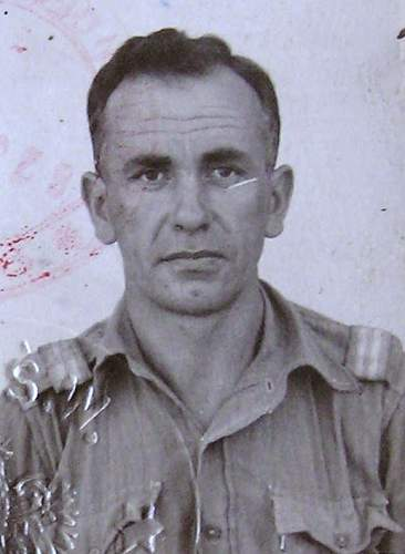 Click image for larger version.  Name:Plut Leopold Jung  ID Photo.jpg Views:63 Size:78.9 KB ID:939912