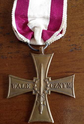 Click image for larger version.  Name:Valour Cross Reverse.jpg Views:5 Size:168.6 KB ID:949314