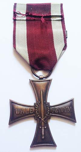 Click image for larger version.  Name:Valour Back.jpg Views:13 Size:116.5 KB ID:949353