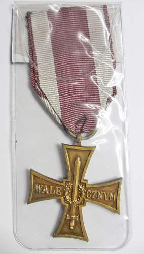 Click image for larger version.  Name:Cross of Valour Back.jpg Views:13 Size:103.4 KB ID:952357