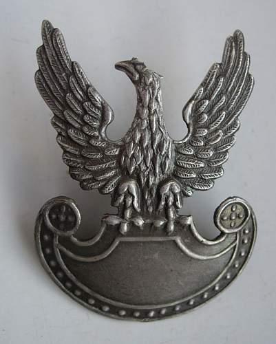 1919 design emasculated Polish cap eagle?