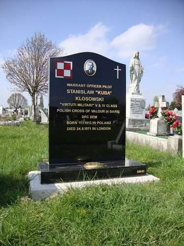 Click image for larger version.  Name:Chor pil Stanislaw Klosowski VM IV V KW x 4 DFC DFM Grave.jpg Views:13 Size:195.2 KB ID:992387