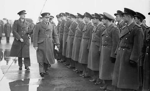 Click image for larger version.  Name:15th December 1940 RAF Leconfield AM Sholto Douglas inspecting pilots from 303 Sqdn before DFC p.jpg Views:51 Size:57.9 KB ID:995586