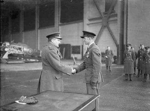 Click image for larger version.  Name:15th December 1940 RAF Leconfield AM Sholto Douglas shaking hands with Feric after pinning the D.jpg Views:58 Size:52.0 KB ID:995587