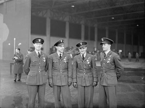 Click image for larger version.  Name:15th Dec 1940  RAF Leconfield Urbanowicz Henneberg Zumbach Feric after receiving the DFC.jpg Views:57 Size:58.0 KB ID:995588