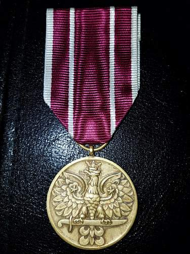 Help identifying these four medals?