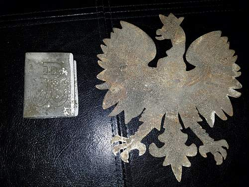 """Can anyone confirm if these two """"sets"""" are genuine? Perhaps provide some other information about them?"""