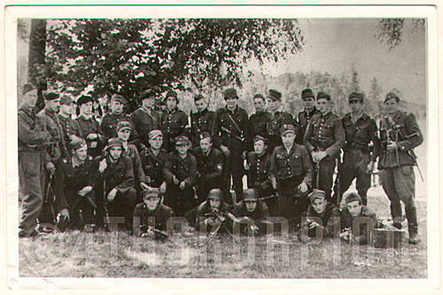 Click image for larger version.  Name:A.4248_86 drużyna ckm ppor. Aleksego Rdesińskiego.jpg Views:131 Size:201.9 KB ID:393184