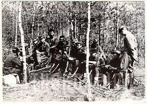 Click image for larger version.  Name:A.4248_96 żołnierze por. Karola Kutnickiego, 44.jpg Views:344 Size:127.2 KB ID:393186