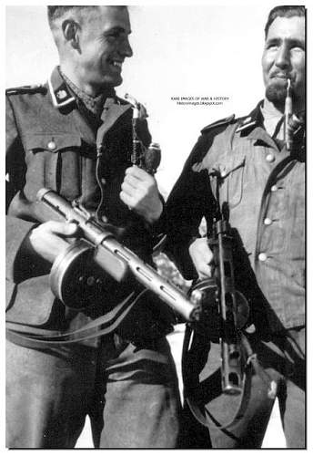 Click image for larger version.  Name:waffen-SS-soldiers-with-russian-machine-guns.jpg Views:10109 Size:78.7 KB ID:404961