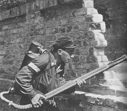 Click image for larger version.  Name:K pattern flamethrower Warsaw Uprising Wikipedia.jpg Views:48 Size:40.5 KB ID:552450