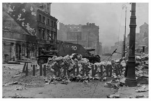 Click image for larger version.  Name:A-Strumpanzer-tank-warsaw-1944.jpg Views:152 Size:122.4 KB ID:74544