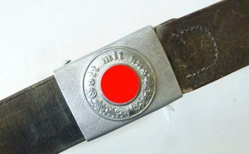 Click image for larger version.  Name:Koppel-mit-Schloss-Polizei-Aluminiumschloss-mit-Lederzunge-diese-datiert-1939-ebenso-der-Koppelr.jpg Views:4 Size:45.9 KB ID:946914