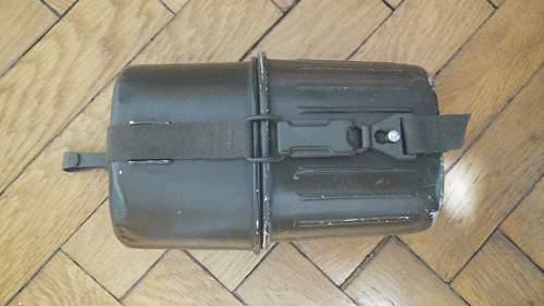 Post-war german mess kit and canteen?