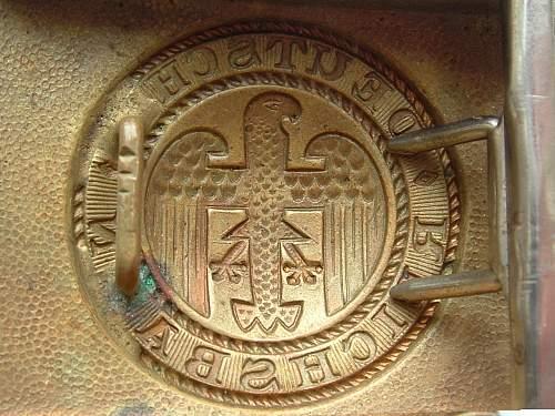 Click image for larger version.  Name:M4_39 F W Assmann Gold Art deco Reichsbahn Catalogue num ber 21249 Eagle rear.jpg Views:459 Size:166.5 KB ID:500657