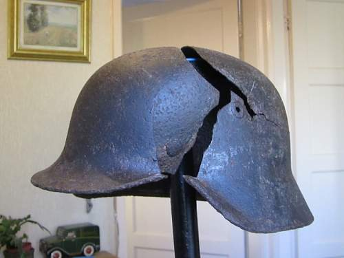 Click image for larger version.  Name:SS Helmet 005 (640x480).jpg Views:30 Size:160.3 KB ID:1003466